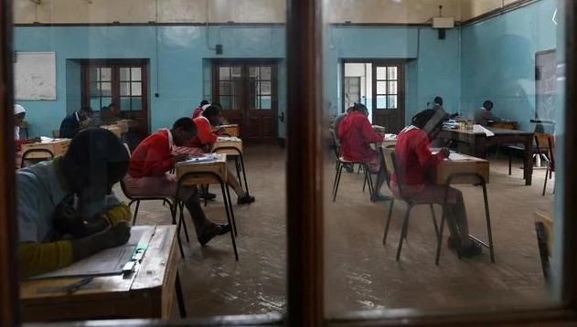 Au Kenya, le gouvernement a annulé l'année scolaire et  tous les élèves redoublent