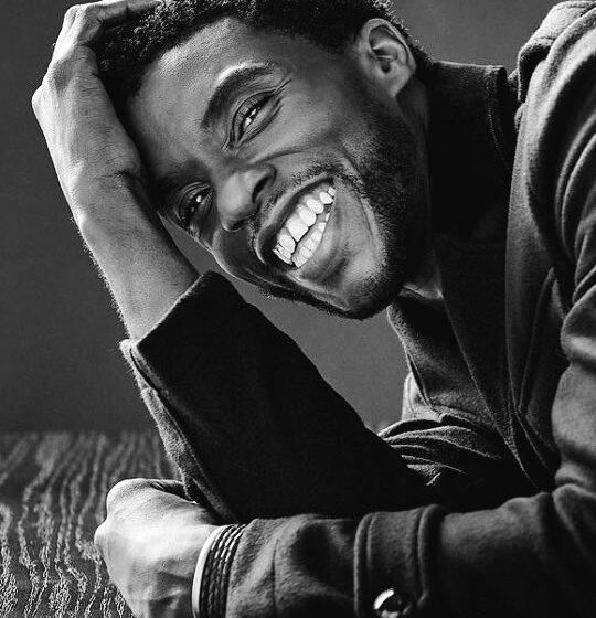 """L'acteur de """"Black Panther"""" Chadwick Boseman décède à l'âge de 43 ans"""